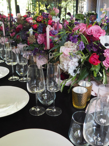Intimate table of 30 wedding table design
