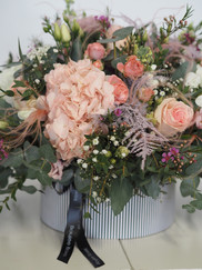 Large Hot Box Stunning bouquets