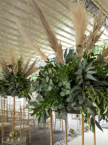 Artificial silk wedding flowers for isle