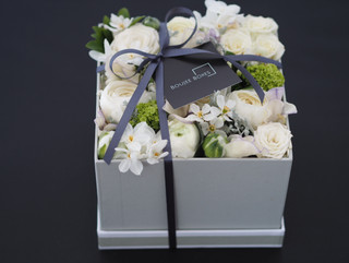 Spring Box White flowers