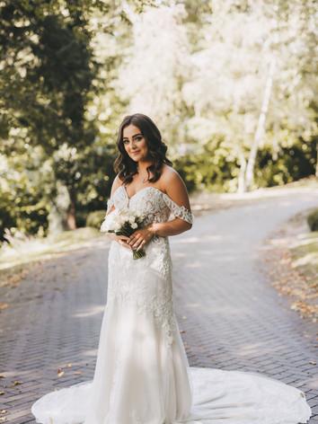 Simple cream bridal bouquet