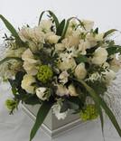 White Fresh Flower Gift Box