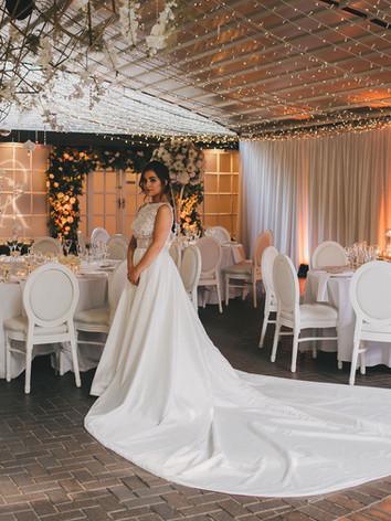 Hangling flower display for weddings