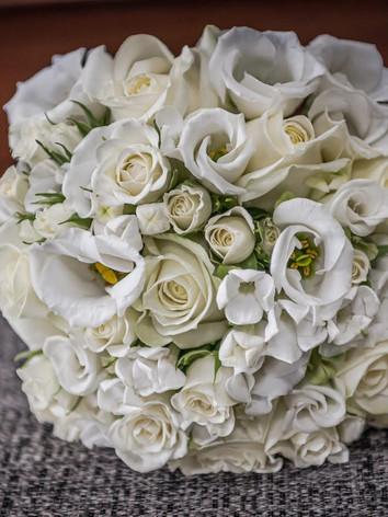 All white winter wedding bouquet