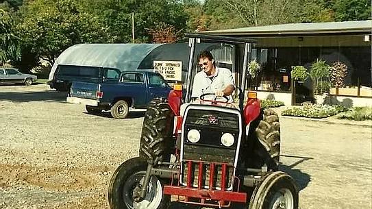 van tractor.webp