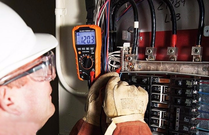 A guide to understanding the basics of a digital multimeter (photo credit: homedepot.com)