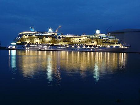 cruise-ship-108973_1280.jpg