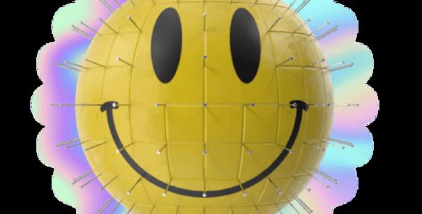 BUBBLE-FREE QRATE SMILEY STICKER