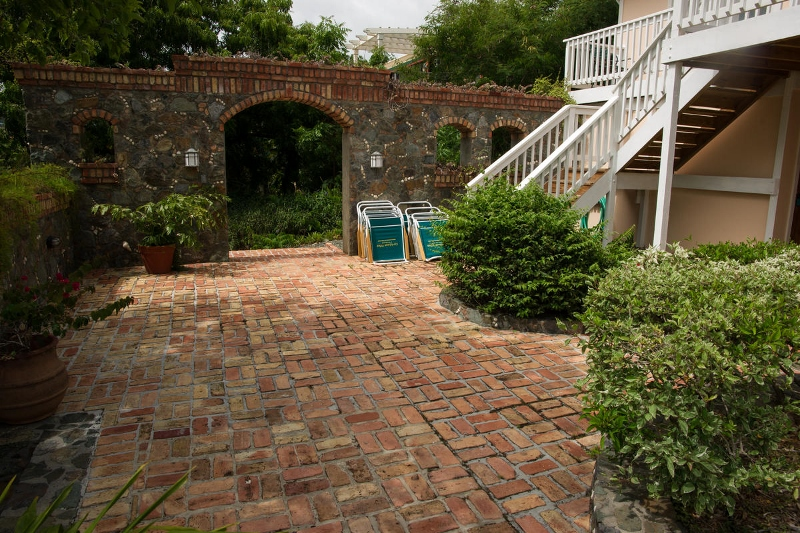 Courtyard access to Guest House