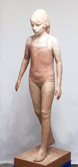 Catalina en bañador, 2018, resin, 130 x 50 x 50 cm