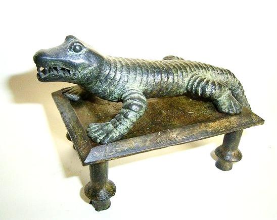 Cocodrilo, bronce, 9 X 9 X 15 cm