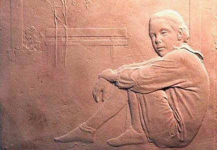 Mi hermana sentada, terracotta bas-relief, 30 x 35 cm