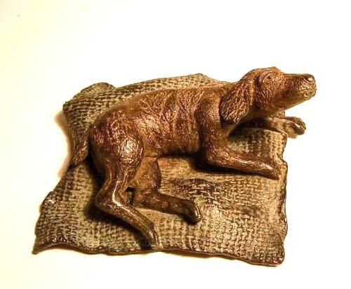 Perro, bronce, 6 X 12 X 11 cm