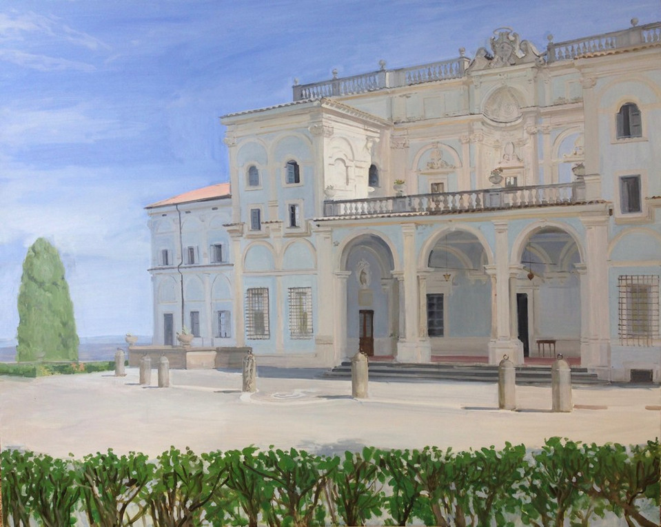 La fachada de la Villa Falconieri. Verano