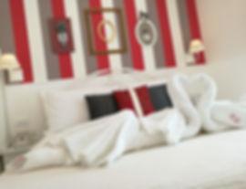 camera hotel dipinta