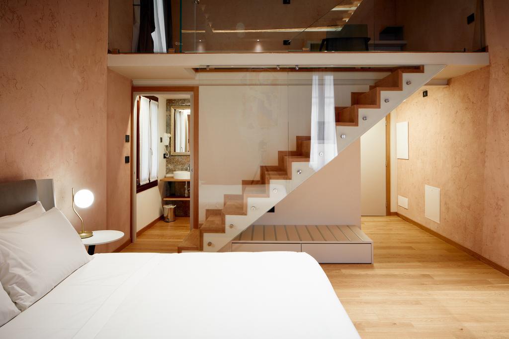 Suite 4.jpg