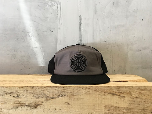 Independent / embroidery snapback