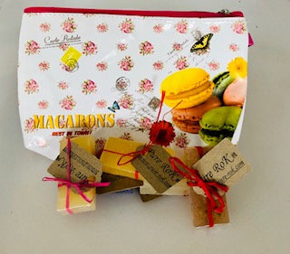 SMALL SOAPS with make-up bag