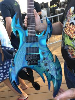 MegaCruise Guitar