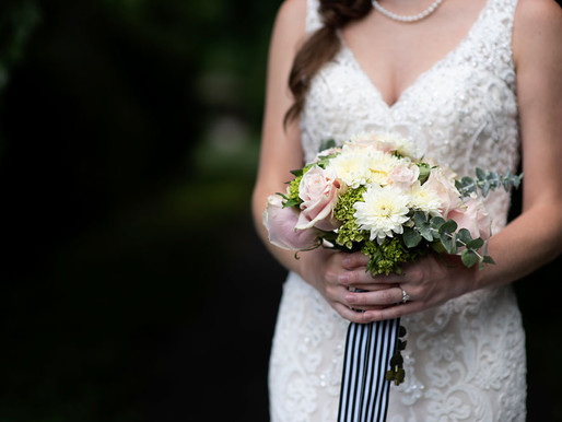 Here's what you need to know when hiring a Florist for your wedding.