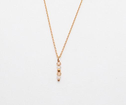 the boho society-bijou de createur fait mail- collier plaqué tendance avec perles de zircon rose-bijou sophie deschamps-boho