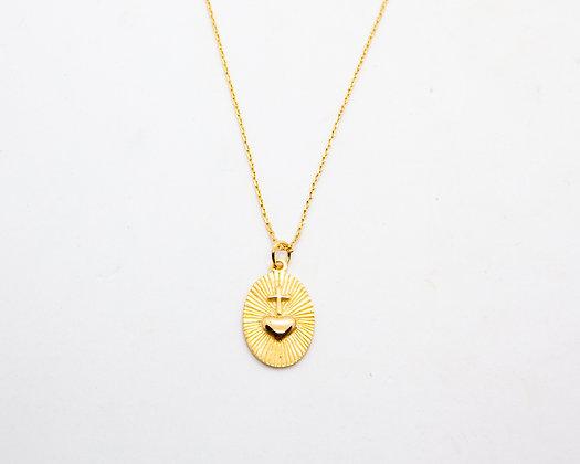 collier medaille gravée coeur style boheme - collier plaqué or - bijoux createur - bijoux boheme - the boho society