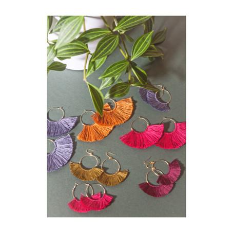 Bijoux createur | Les boucles d'oreilles aux pompons pimpants, un must have de l'automne hiv