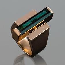 Design iconique pour cette bague or et tourmaline à l'influence art déco de Georg Jenson.