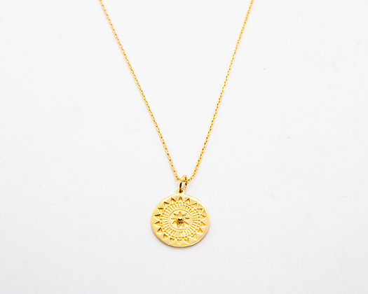 collier medaille gravée boheme - collier plaqué or - bijoux createur - bijoux boheme - the boho society