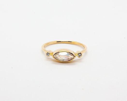 bague en or 14 carats pierre de lune et diamant - bijoux createur - bijoux boheme - boho chic - the boho society