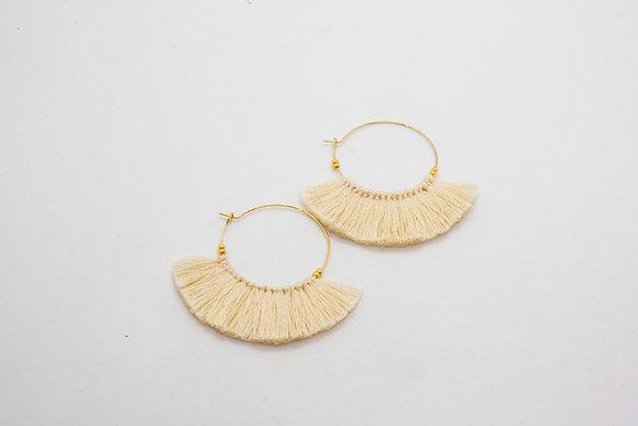 Maki | Boucles d'oreilles pompon en plaqué or