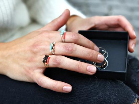 Boho soul : perles délicates viennent rehausser un anneau fin