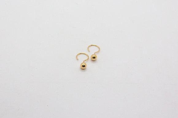 the boho society- boucles d'oreilles de createur en plaqué or-puces d'oreilles point d'interrogatio-bijou fait main boho chic