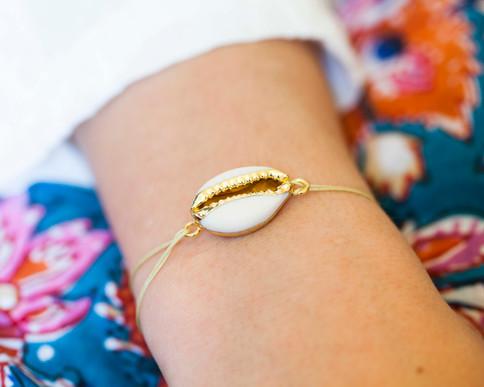 bracelet cordon cauri - bijoux boheme -