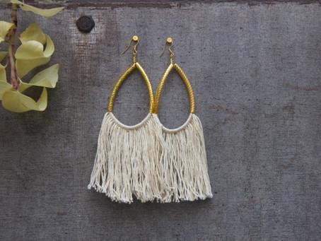 | Cool & Chic | Les boucles d'oreilles en macramé by Emilie Renard