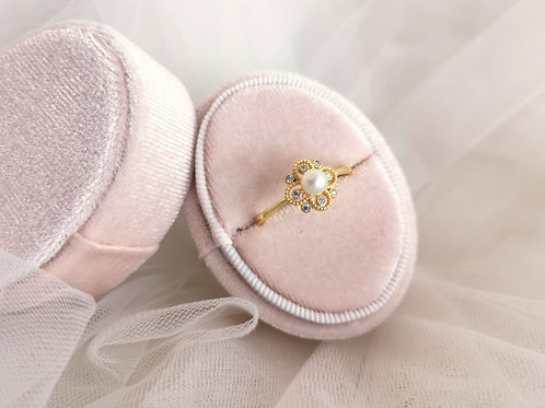 the vintage lucky clover ring
