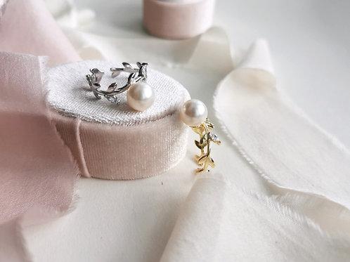 the laurel ring