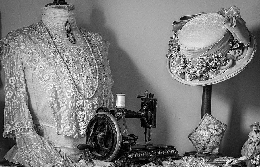 Vintage ladies & sewing machine b_w_edited_edited.jpg