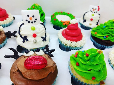Some cute Christmas themed cupcakes we d