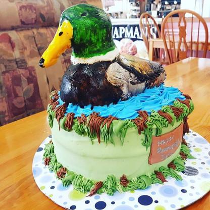 Happy birthday Joni! #duckcake #glutenfree #hunter #creamcheeseicing #pumpkinspice #hotroastcompany #georginascakes #birthdaycake #happybirt