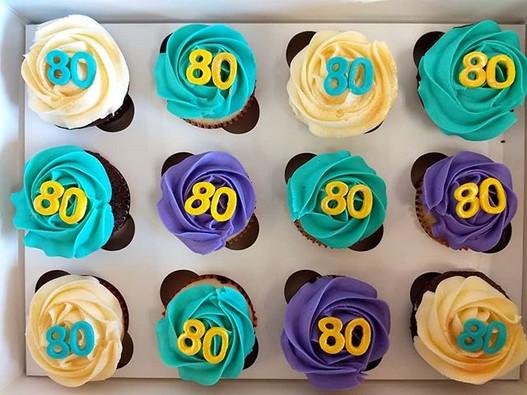 Bright birthday cupcakes! #cupcakes #eig