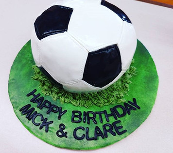 Soccer ball or football cake depending o