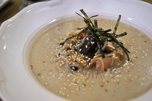 Кокосовий суп з лососем