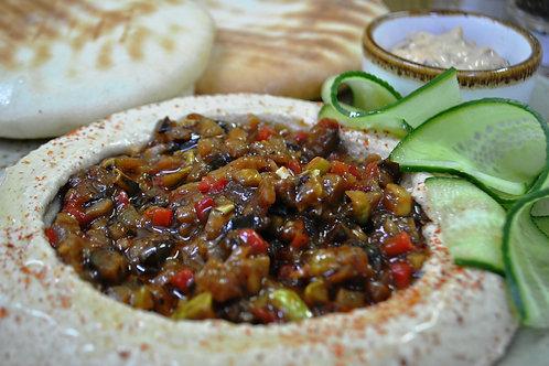 Хумус з томленими овочами і грибами