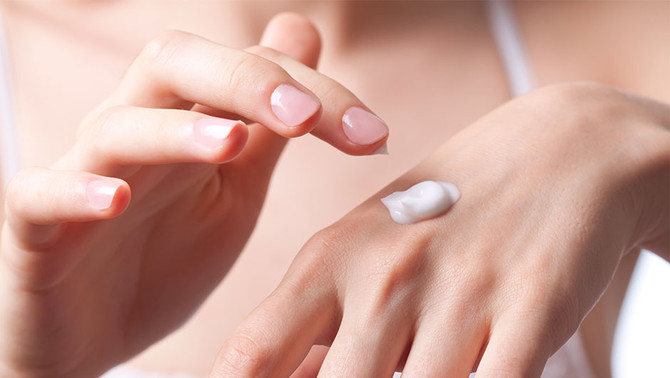 How To Take Care Of Dry Hands ASAP