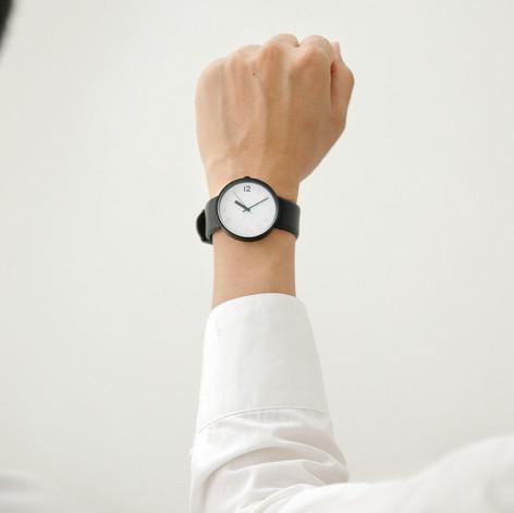 sharing watch 2.jpg