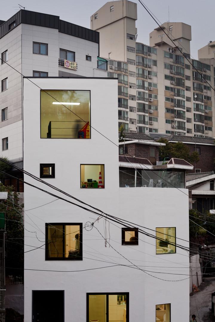 MOOTAA - Light house-001