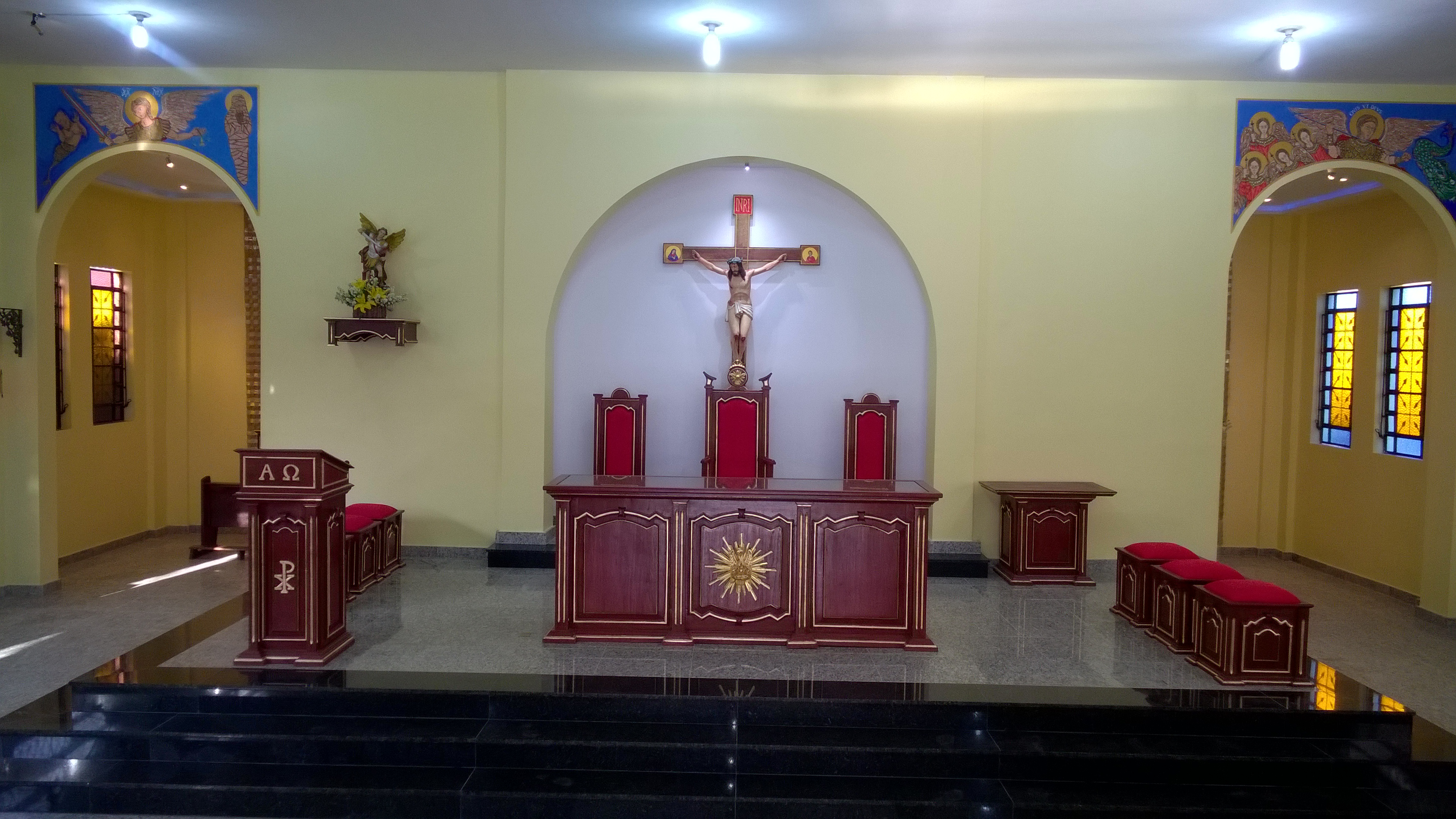 PRESBITÉRIO ALTAR E AMBÃO DEPOIS (2)