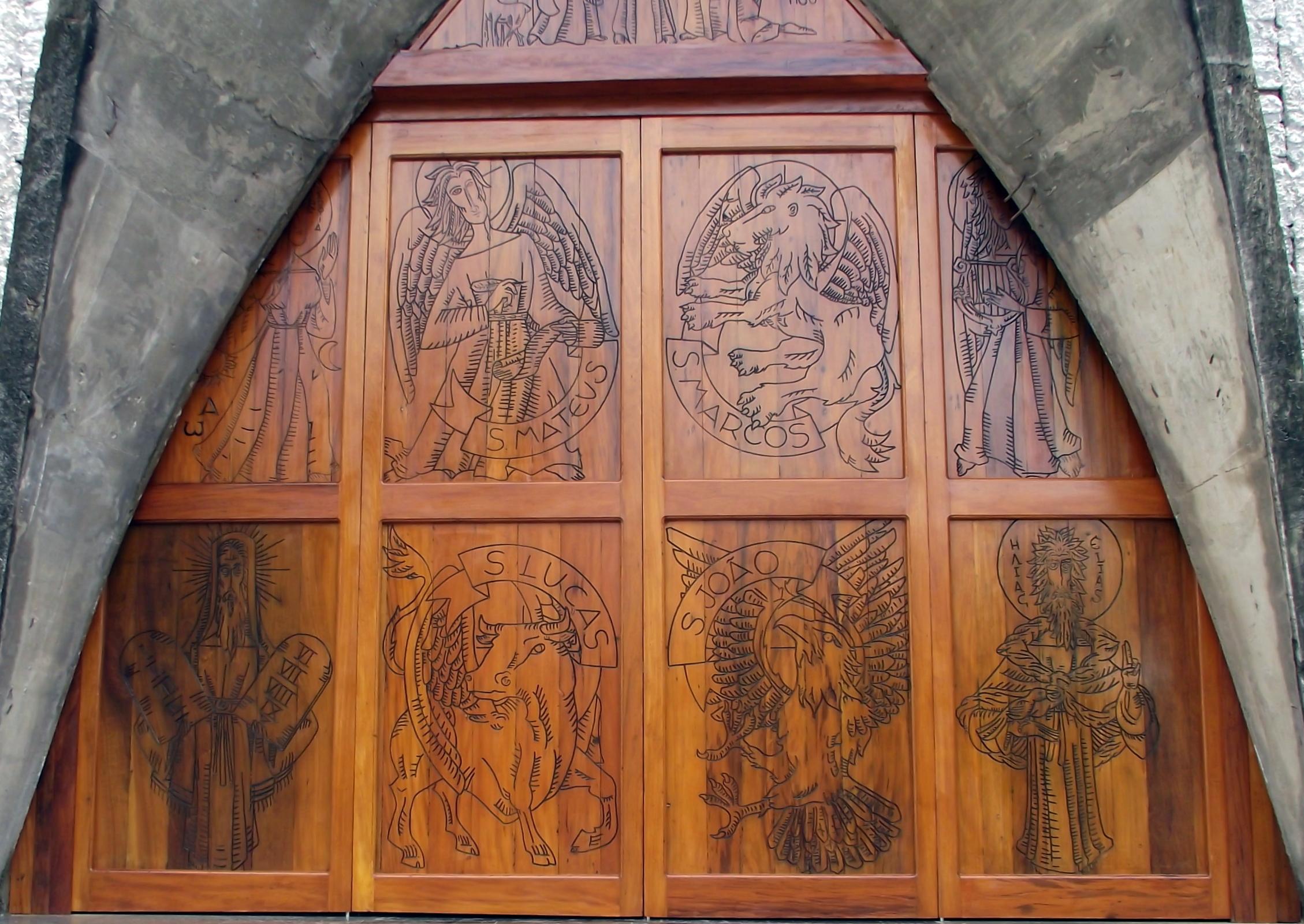 Porta Igreja São Tomé