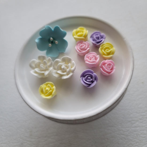 Edible Royal Icing Flowers